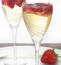 Strawberry Jasmine Spritzer - The perfect balance of fruit and flowers. This delicate spritzer begins with an aromatic jasmine infusion, is entwined with a hint of sweet strawberries, and is perfected with a touch of carbonation.