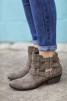 Cut out flat booties
