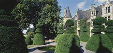 Château du Pin à Champtocé sur Loire, Les jardins du château sont dessinés sur 18 niveaux qui correspondent à 18 thèmes différents, ils sont célèbres pour l'art topiaire. Photographie de Jean-Baptiste Leroux