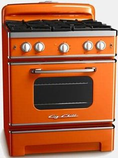 Our retro dishwashers are Energy Star efficient and feature gorgeous chrome handles for that iconic flair. Shop cool retro appliances from Big Chill. Vintage Kitchen, Retro Vintage, Vintage Stove, Funky Kitchen, Eclectic Kitchen, Retro Kitchen Appliances, Vintage Appliances, Kitchen Items, Product Design