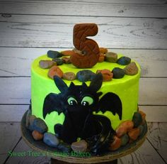 How to Train Your Dragon cake with Toothless