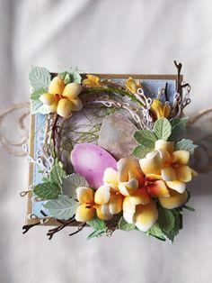 Mój świat kolorów...: Świąteczny exploding box... Exploding Boxes, Decoupage, Floral Wreath, Wreaths, Home Decor, Flower Crown, Decoration Home, Door Wreaths, Deco Mesh Wreaths