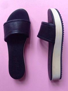 Yvonne Koné – slip in sandal