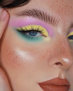 Pastel kinda mood 🤩 today 🍬🍡 ・・・ Hope you're not bored with pastel make up looks cause they're my favorite 🥺🕺🏼🍭🍬🌸 _______________________ make up details: flawless filter dipbrow in ebony rose & mint pastel mini palettes Edgy Makeup, Makeup Eye Looks, Eye Makeup Art, Blue Eye Makeup, Makeup Inspo, Skin Makeup, Eyeshadow Makeup, Makeup Inspiration, Makeup Ideas
