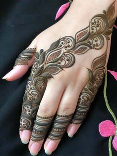 Are you looking for latest mehndi or henna designs to show off on various celebrations? Must check out the awesome trends of henna designs collection that are fantastic for girls to wear in Henna Tattoo Designs, Henna Tattoos, Henna Tattoo Meanings, Henna Mehndi, Mehendi, Mehandi Designs, Henna Art, Tattoo Ideas, Back Hand Mehndi Designs