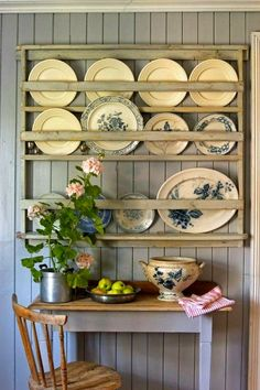Plate rack wall, plate racks in kitchen, plates on wall, kitchen cart Cabinet Plate Rack, Plate Racks In Kitchen, Plate Rack Wall, Diy Plate Rack, Plate Shelves, Plates On Wall, Kitchen Cart, Wooden Plate Rack, Wooden Plates