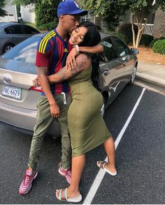 Everybody wants to as happy as they possibly can be with their partner. Check out these 38 things couples may do to build and maintain a happier and healthier relationship. Young Black Couples, Cute Black Couples, Black Couples Goals, Cute Couples Goals, Relationship Pictures, Couple Goals Relationships, Relationship Goals Pictures, Couple Relationship, Flipagram Instagram