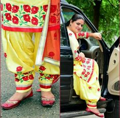 Yellow 6 mtr suit  Send msg on whatsapp to buy this suit or pricing information +918400060006  We ship overseas🌍