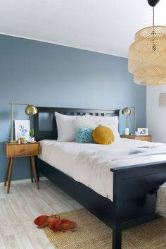 a slate blue accent wall and mustard touches add color to the mid century modern. a slate blue accent wall and mustard touches add color to the mid century modern bedroom Blue Bedroom Paint, Best Bedroom Colors, Dulux Denim Drift Bedroom, Denim Drift Dulux Paint, Denim Drift Living Room, Clean Bedroom, Home Decor Bedroom, Bedroom Ideas, Master Bedroom