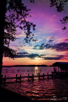 Inspiring sunset natural scenery breathtaking purples, blues over water. Beautiful Sunset, Beautiful World, Beautiful Images, Beautiful Scenery, Simply Beautiful, Amazing Sunsets, Beautiful Things, House Beautiful, Absolutely Gorgeous