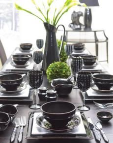 Handmade Dinnerware Design of Charming Chiaroscuro Black by Terra Cotta, Tuscany Round Table Settings, Place Settings, Black Dinnerware, Kitchen Necessities, Reception Party, Love Your Home, Black Table, Chiaroscuro, Coffee Set
