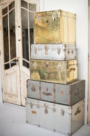 Michelle - Blog #Old and #charming #vintage #suitcases Fonte: http://www.foundrentals.com/blog/?currentPage=2