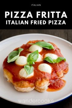 Can you believe this homemade pizza is ready in 10 minutes - the secret is frying the dough! Pizza Fritta is an Italian fried pizza recipe straight from Naples, topped with garlicky tomato sauce, chunks of mozzarella and fresh basil leaves. Easy Cooking, Cooking Recipes, Pizza Recipes, Dinner Recipes, Kitchen Recipes, Deep Dish Pizza Crust Recipe, Fried Pizza, Healthy Italian Recipes, Dough Pizza