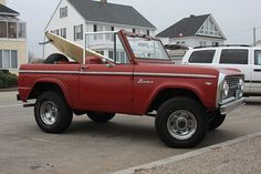 1967 Ford Bronco ... I've always wanted one of these.  Maybe when I move to the left coast?!