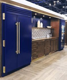 Hottest new Kitchen and Bath Trends for 2019 and 2020 #KitchenCountertopsWood #whitekitchen