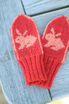 Isabel votter (2-3 year old mitten pattern) via Kretido