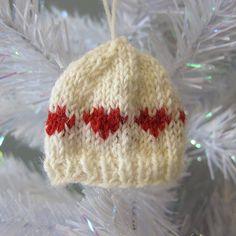 knitted hat ornament pattern, free, scrap sock yarn