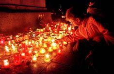 cmentarz zwłoki świeczki nagrobek święto wszystkich zmarłych