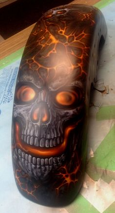 Super Motorcycle Custom Paint Jobs Old School 40 Ideas Custom Motorcycle Paint Jobs, Custom Paint Jobs, Airbrush Designs, Airbrush Art, Skull Painting, Air Brush Painting, Motorcycle Tank, Motorcycle Girls, Harley Davidson Art