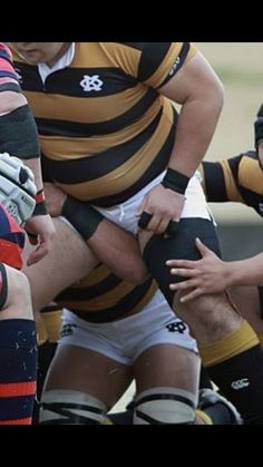 Rugby League, Rugby Players, Rugby Men, Hot Asian Men, Daddy Bear, Fat Man, Big Men, Football, Mens Fashion