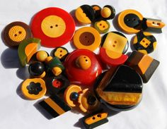 More Bakelite Vintage Sewing Buttons