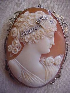 """BEAUTIFUL 14K W GOLD Antique Shell Cameo """"PSYCHE""""  Brooch/Pndt DIAMONDS Habille 