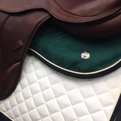 oh I like the green half pad and then add green piping on the full pad...perfect :)