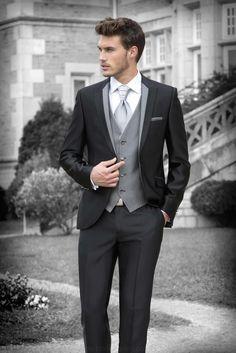 2016 New Style Groom Tuxedos Black Groomsmen Peak Lapel Best Man Suit/Bridegroom/Wedding/Prom/Dinner Suits (Jacket Pants Tie Vest) - Mode Bräutigam - Black Suit Wedding, Wedding Men, Wedding Suits, Wedding Attire, Groom Tuxedo Wedding, Mens Prom Suits, Wedding Tuxedos, Groom Attire Black, Groom Outfit