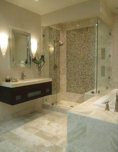 Queen Beige marble bathroom