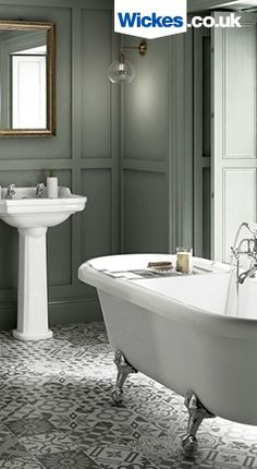 If you love the elegance of Victorian bathrooms or just soaking in a roll top bath, this luxurious bathroom suite could be for you. Team it up with some geometric tiles for the perfect period-style decor. Upstairs Bathrooms, Chic Bathrooms, Modern Bathroom, Luxury Bathrooms, Minimalist Bathroom, Small Bathrooms, Family Bathroom, Master Bathroom, Bathroom Inspo