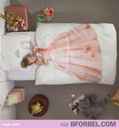 Bedsheets that turn every girl into a Princess. WANT 4 OF THIS PLEASE.