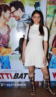 Aditi Rao Hydari at the screening of 'Katti Batti'. Indian Actress Hot Pics, Beautiful Indian Actress, Indian Actresses, Bollywood Stars, Bollywood Fashion, Bollywood Actress, Turkish Beauty, Indian Beauty, Aditi Rao Hydari Hot