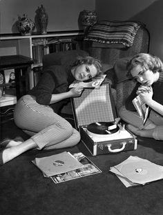 Retro Vintage modernizor: England Blue Bell show girls -