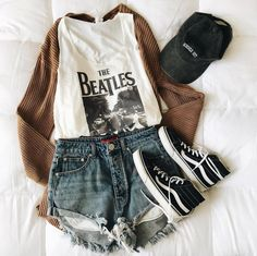 Grunge Outfits – Page 9311377172 – Lady Dress Designs Teenage Outfits, Hipster Outfits, Cute Casual Outfits, Mode Outfits, Retro Outfits, Outfits For Teens, Vintage Outfits, Summer Outfits, Girl Outfits