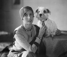 Divat és kutya Ilyen volt a kutyakiállítás 100 éve!  #kutya #dog #kutyakiállítás #dogshow #vintage #photo #kutyabarathelyek #kutyabaráthelyek