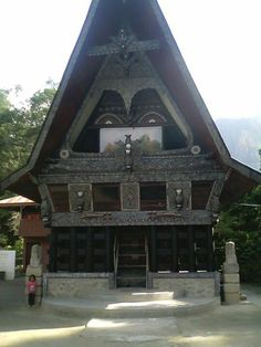 Rumah Adat Batak House Ornaments, Architecture Old, Houses, Cabin, Culture, Traditional, House Styles, Creative, Diy