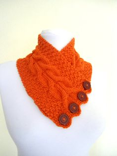 This could also fall under DIY... I'd like to make something like this (too bad I'm terrible at knitting!) !!! LOVE!!!