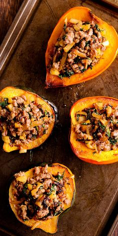 pork sausages Apple and sausage stuffed acorn squash is a new healthy addition to any menu! This is a delicious Paleo and recipe and honestly the best stuffed squash recipe Ive e Vegetable Dishes, Vegetable Recipes, Thanksgiving Recipes, Fall Recipes, Sausage Stuffed Acorn Squash, Acorn Squash Recipes, Stuffed Squash Recipes, Pork Sausage Recipes, Cooking Recipes
