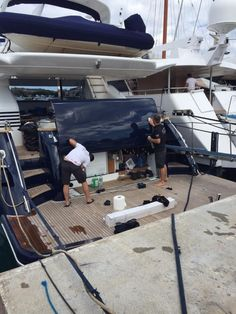 Last week, April 23, 2015 in #PortVauban, nestled in the fantastic #SouthofFrance yacht holiday location – #Antibes, saw @wildgroup International demonstrate a live #vinylfilm application aboard #MYNaomiS. The event was a resounding success and was attended by over 30 captains and industry professionals, including Monaco Marine, IMS Shipyard, Sunseeker , as well as Dubois Naval Architects. #transformyouryacht