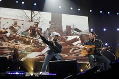 Usher And Blake Shelton | GRAMMY.com