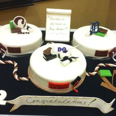 3 graduation cakes in one!