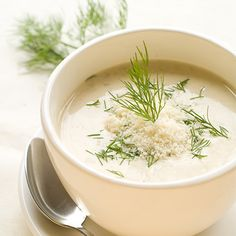 Recipe Fennel soup with chicken meatballs Fennel Soup, Leek Soup, Chicken Fennel, Pureed Food Recipes, Healthy Soup Recipes, Heathy Soup, Parmesan, Lunch Restaurants, Clean Eating Plans