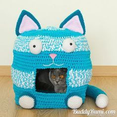 Your furbaby will love this collection of cute Crochet Caves and weve found you a fabulous FREE Pattern!