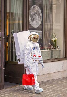 Картинки по запросу астронавт на земле