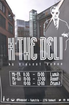 """Heute waren wir brunchen bei """"thedeli"""", dem Heimathafen der veganen, hamburger Food Trucks. """"thedeli"""" findet ihr in Altona im Phoenixhof in der Ruhrstr.11a. Gut zu erkennen …"""