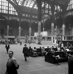 24 penn station, nyc    penn station, nyc, 1958    part of an archival project, featuring the photographs of nick dewolf