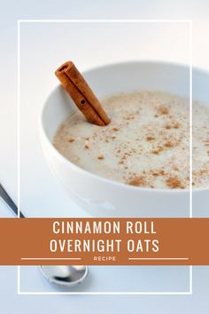Healthy Cinnamon Roll Overnight Oats Recipe This quick and easy breakfast recipe is gluten-free, delicious and takes just 5 minutes to prepare the night before! Perfect for a healthy and delicious breakfast on the go and so much better for you than a re Clean Eating Breakfast, Breakfast On The Go, Quick And Easy Breakfast, Sweet Breakfast, Breakfast Ideas, Delicious Breakfast Recipes, Brunch Recipes, Healthy Cinnamon Rolls, Real Cinnamon