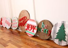 The Trendy Timber Christmas Projects, Holiday Crafts, Christmas Diy, Christmas Decorations, Christmas Crafts To Sell, Christmas Signs Wood, Holiday Signs, Christmas Door Hangers, Circle Crafts