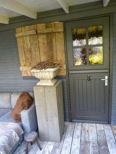 Entry Stairs, Entry Hallway, Entryway, Garden Living, Home And Garden, Garden Buildings, Grand Entrance, Hallways, Tiny House