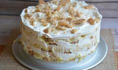 Banana Pudding Icebox Cake - layers of vanilla wafers, prepared banana pudding mix, sliced bananas, and whipped cream in a springform pan. Peanut Butter Cookie Lasagna, Peanut Butter Cookies, No Bake Desserts, Just Desserts, Delicious Desserts, Yummy Food, Fun Food, Cake Recipes, Dessert Recipes